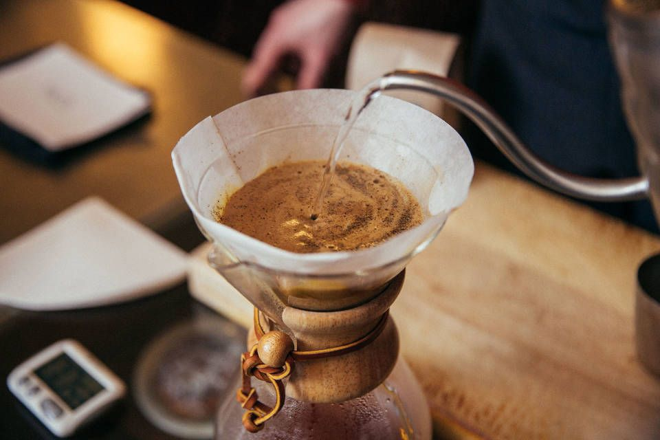 Brew_Guide-Chemex-Step04.jpg